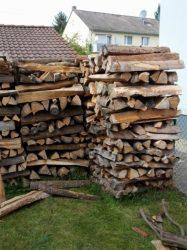 Holzlager, offen