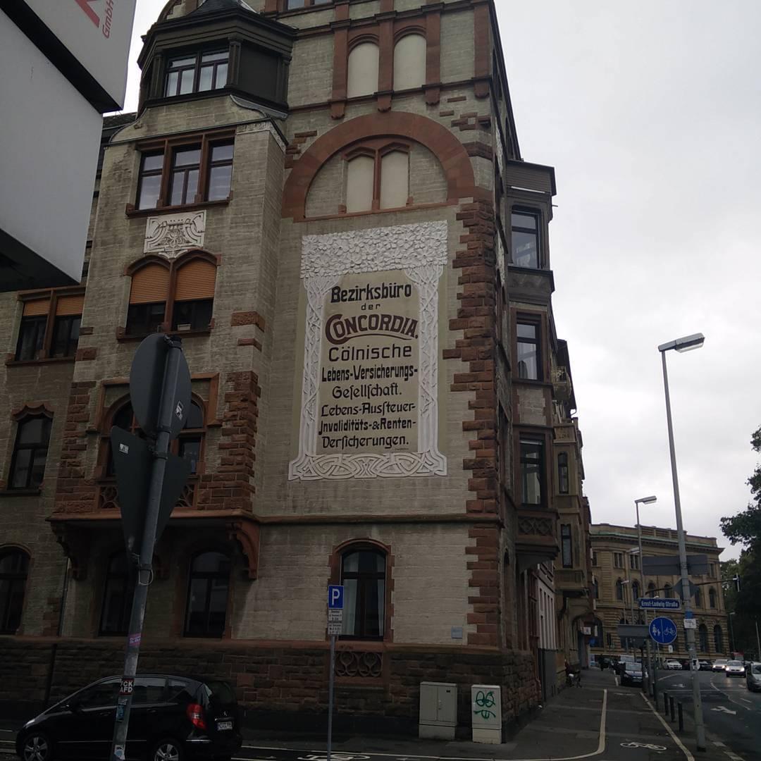 Eine der schnsten Fassaden in Mainz  Werbung Denkmal Haushellip
